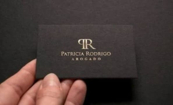 tarjetas de presentación de abogados en dorado