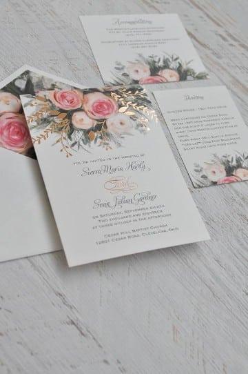 invitaciones de boda con flores y en dorado