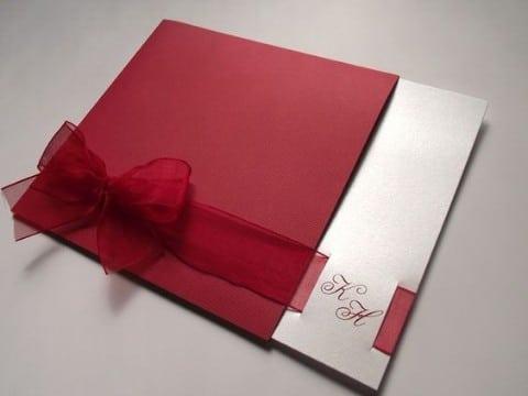invitaciones de boda rojo y blanco con cinta