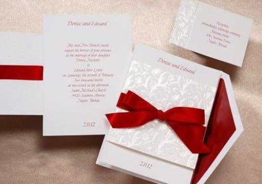 invitaciones de boda rojo y blanco con lazo