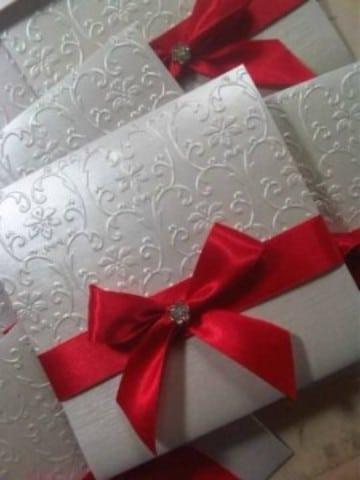 invitaciones de boda rojo y blanco con troquel