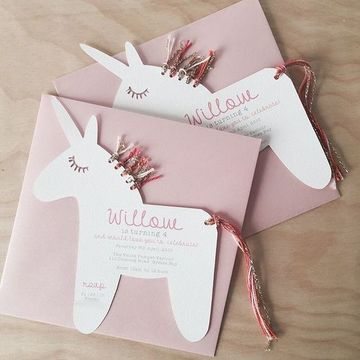 tarjetas de cumpleaños de unicornios a mano