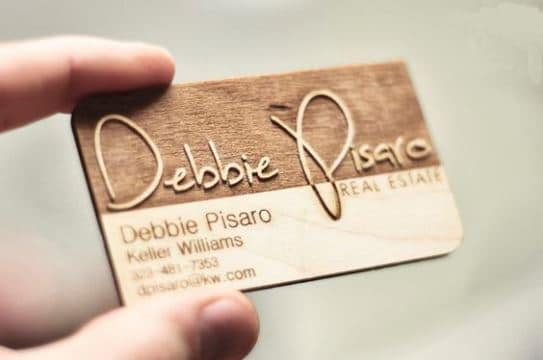tarjetas de presentacion madera con relieve