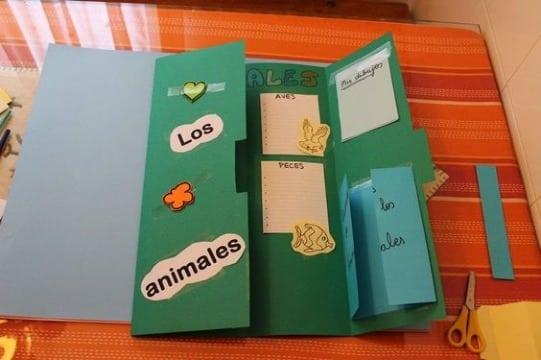 Como hacer un triptico a mano creativo escolar