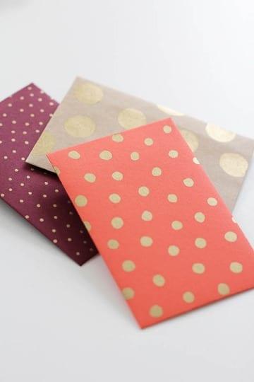 como hacer un sobre con papel de regalo para regalar dinero