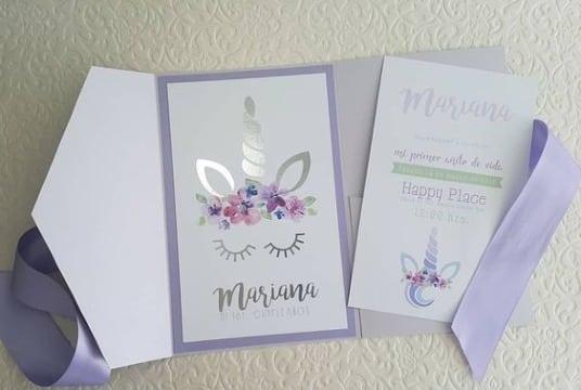 diseños de invitaciones de unicornio para niña