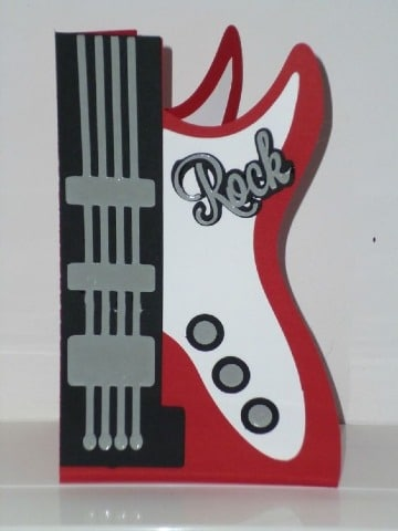 tarjetas en forma de guitarra electrica