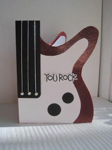 tarjetas en forma de guitarra para cumpleaños