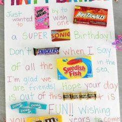 imagenes de carteles para cumpleaños para amigos con golosinas