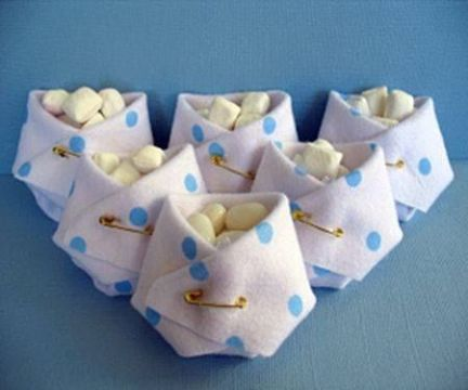 souvenirs en tela para nacimiento con dulces