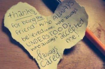 carta de san valentin para una amiga en un pedazo de papel
